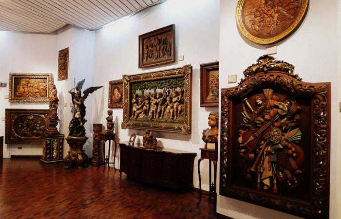 The Art of Juan Flores, Master Sculptor