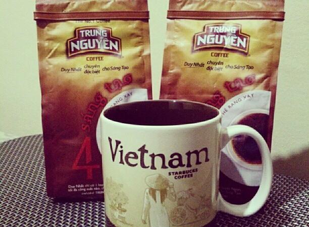 Starbucks finally opened in Vietnam!