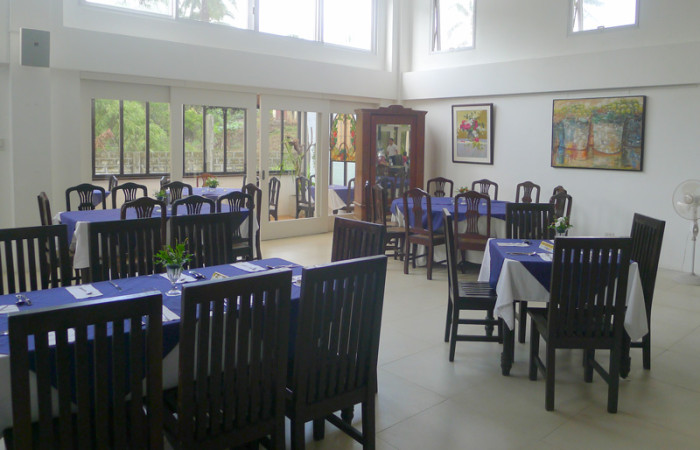 A Different Dining Room at Gourmet Farms