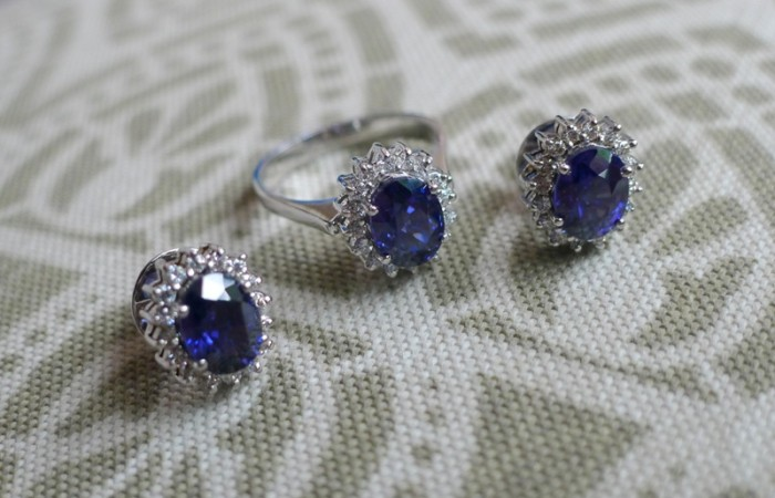 The Royal Shades of Blue in Tanzanites