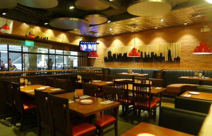 A New TGI Fridays Opens at Greenbelt 3