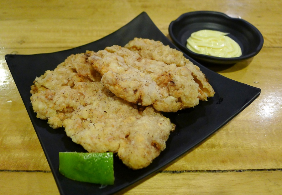 You gotta try their Chicken Karaage (Php95.00, which has a very nice juicy flavor inside)