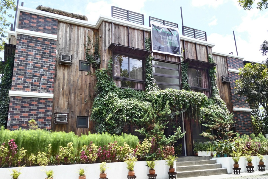 Eco Hotel Cabins Tagaytay The Bright Spot