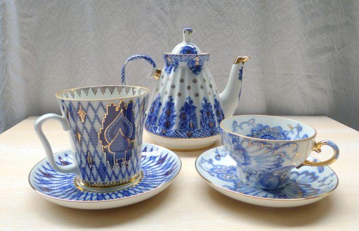 "Lomonosov ""Bridesmaid / Baskets"" Pattern Teapot"