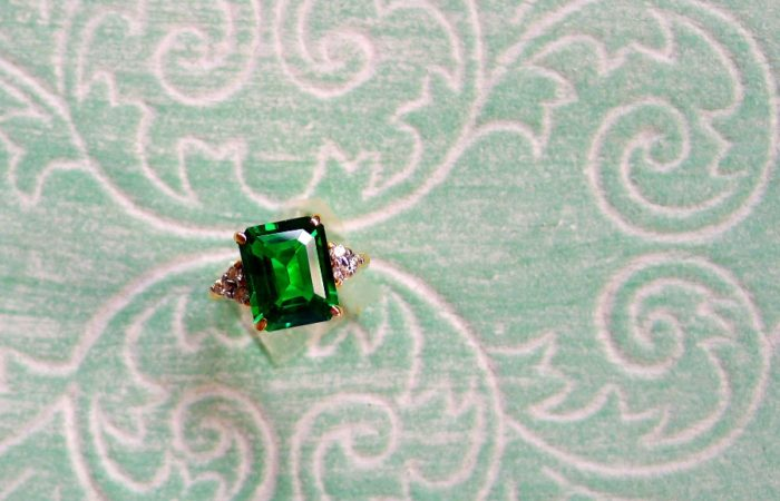 Crazy Rich Emerald Ring